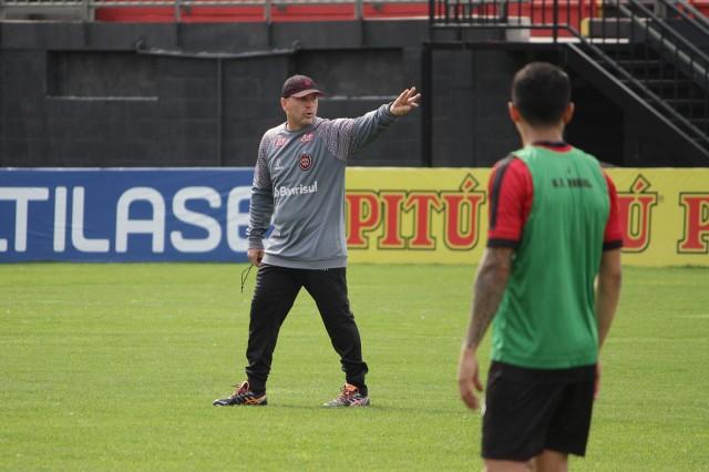 Cleber não é mais treinador do Brasil